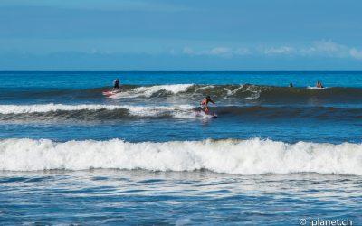 South Shore Surfing at Launiupoko